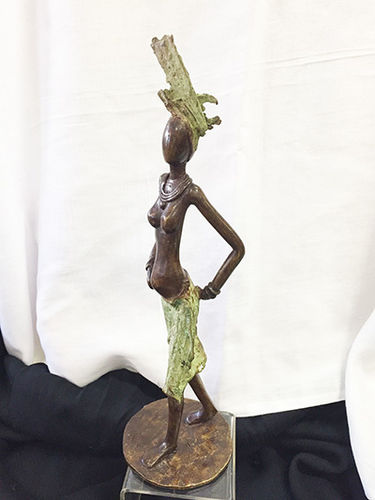 "Bronze ""mama looks good"" figurine"