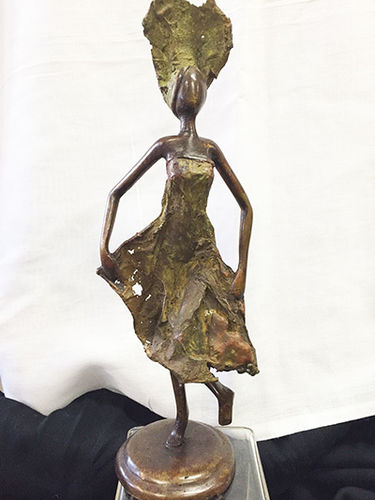 "Bronze ""I'm here"" figurine"
